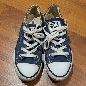 Youth Coverse All Stars sneaker size 3
